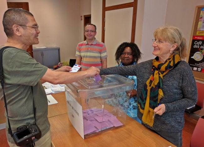 L'adjointe au maire écologiste Marie-Dominique Dreyssé a tenu l'un des bureaux de vote aujourd'hui (photo Pierre France / Rue89 Strasbourg)