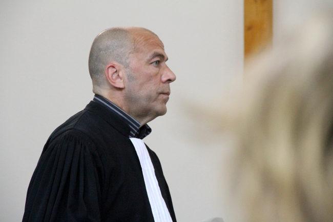 Me Bettcher, avocat de Marie-Delphine Dochain, maître d'oeuvre du chantier, peu avant l'audience de jeudi 26 mai 2016. (photo Auriane Poillet / Rue89 Strasbourg)