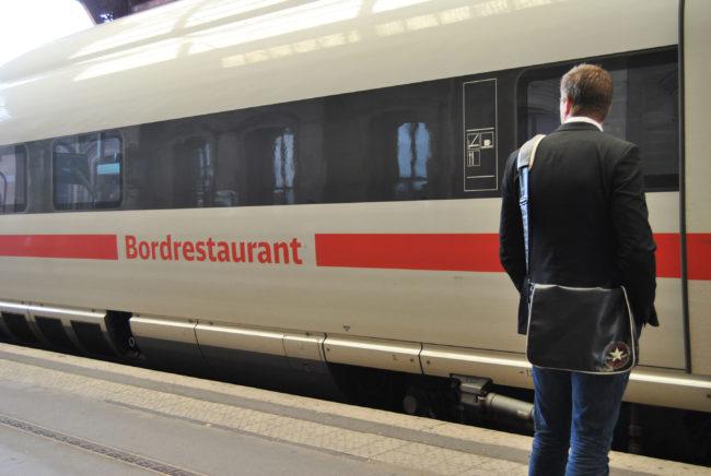 De l'extérieur, le wagon du restaurant. (Photo: BB / Rue89 Strasbourg)