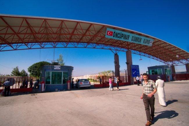 Un poste frontière turc vers la Syrie (Photo Michael Swan / FlickR / cc)