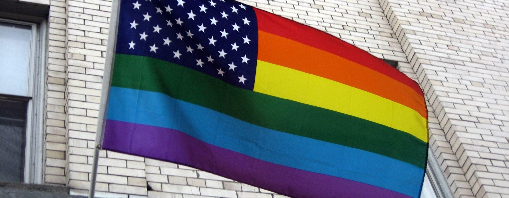 Rassemblement mardi en mémoire des victimes de la fusillade à Orlando