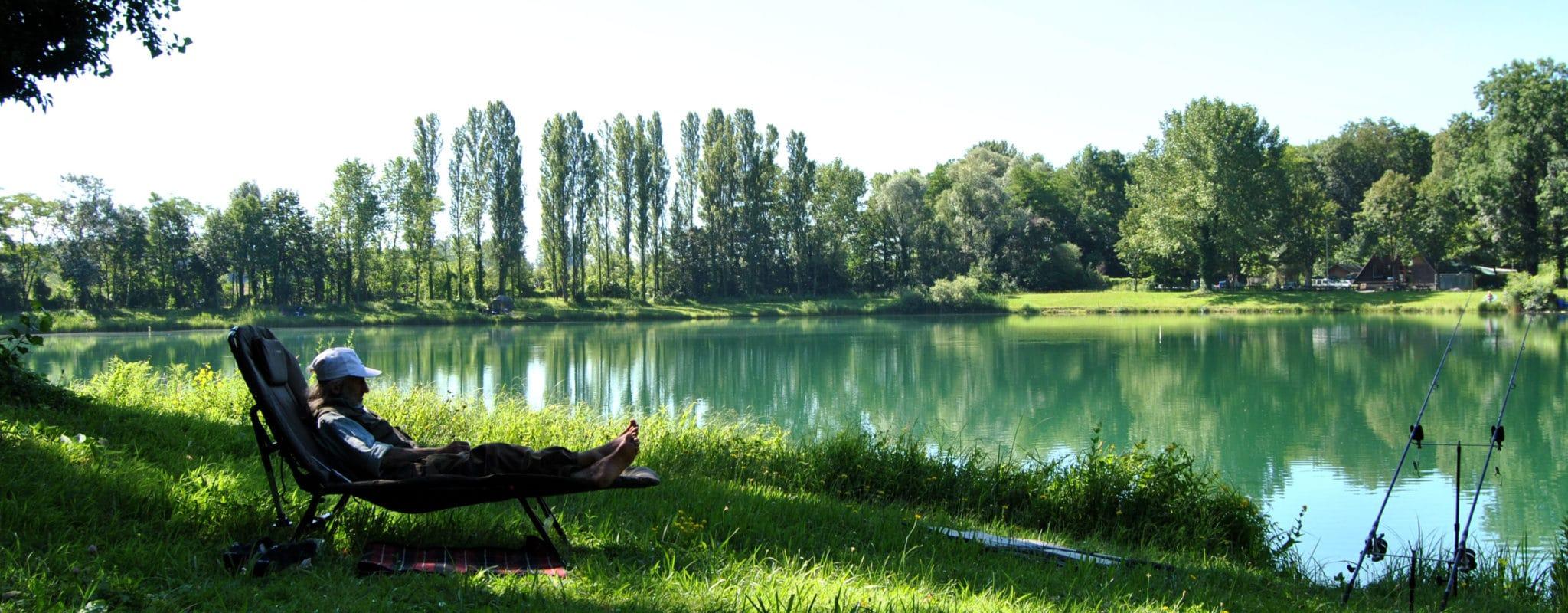 Sur l'étang du Rohrkopf, la fable de la carpe et du cou du coq