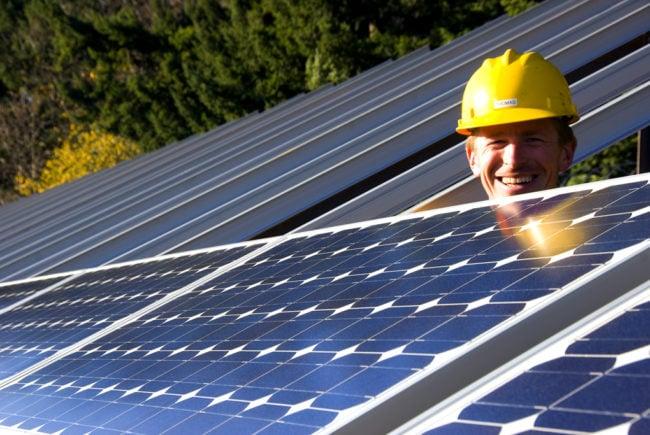 Une installation de panneaux solaire ... dans l'Oregon (photo Oregon Department of Transportation / Flickr / cc)