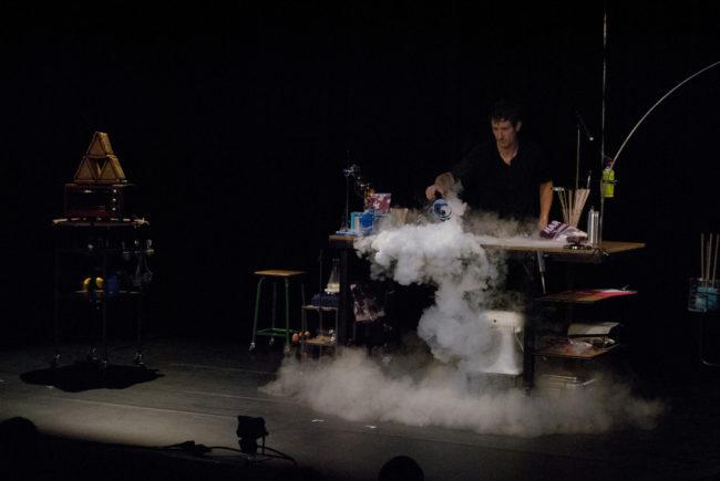 La fumée, ça fait toujours son effet (photo BB / Rue89 Strasbourg)