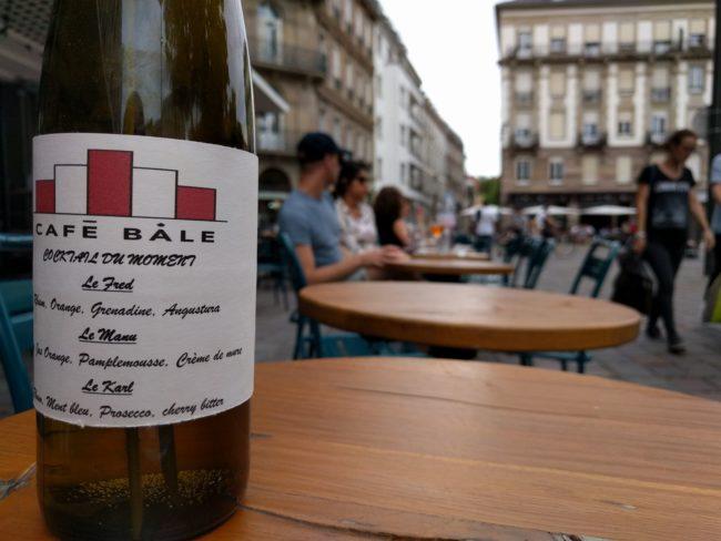 Le Café Bâle mise sur ses cocktails et happy hour (Photo PF / Rue89 Strasbourg / cc)