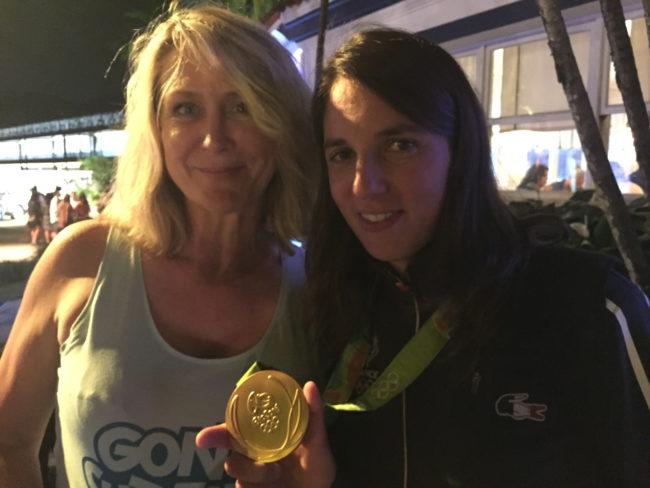 Au club France on peut y rencontrer les médaillés le soir-même. Les athlètes y sont disponibles selon Caroline Reys (doc. remis)
