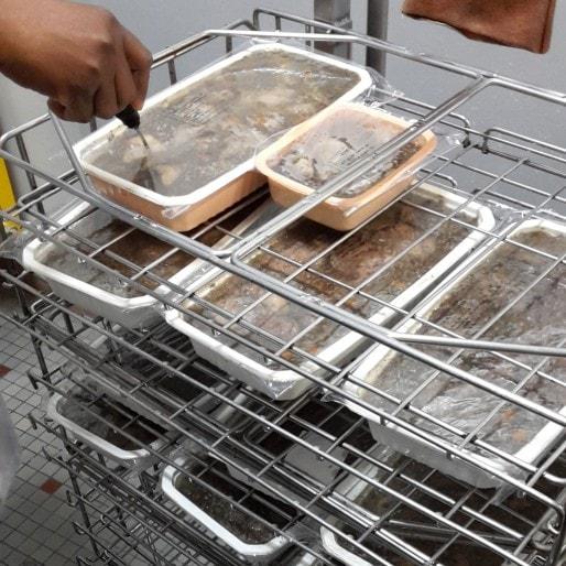 La fin du plastique jetable dans les cantines ? Dans 4 ans peut-être