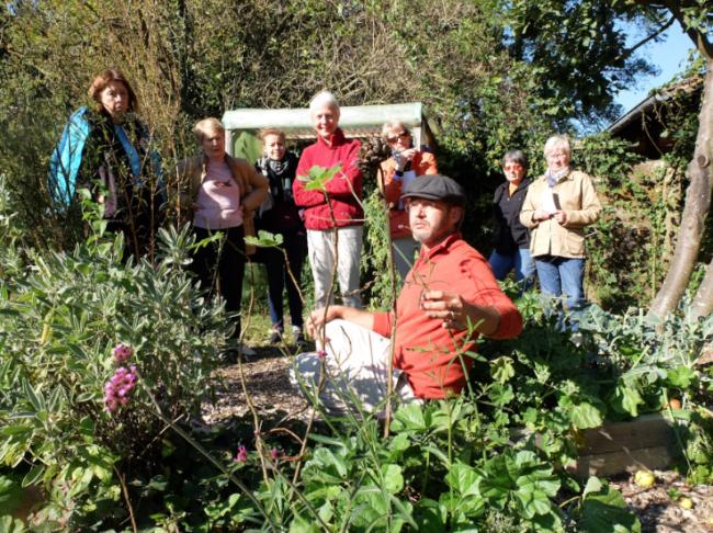 Dernier atelier jardinage de l'année au CINE de Bussierre, animé par Olivier Gadrat (Photo MM / Rue89 Strasbourg)