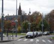 Place de la République, les nombreux lampadaires permettent aux voitures, cyclistes et piétons de circuler comme en plein jour (Photo DL/Rue 89 Strasbourg/cc)