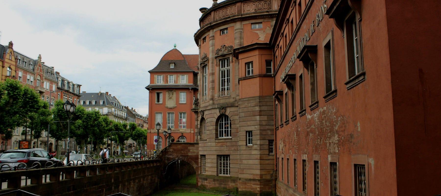 Les Bains municipaux, l'un des fleurons de la Neustadt: patrimoine en danger!