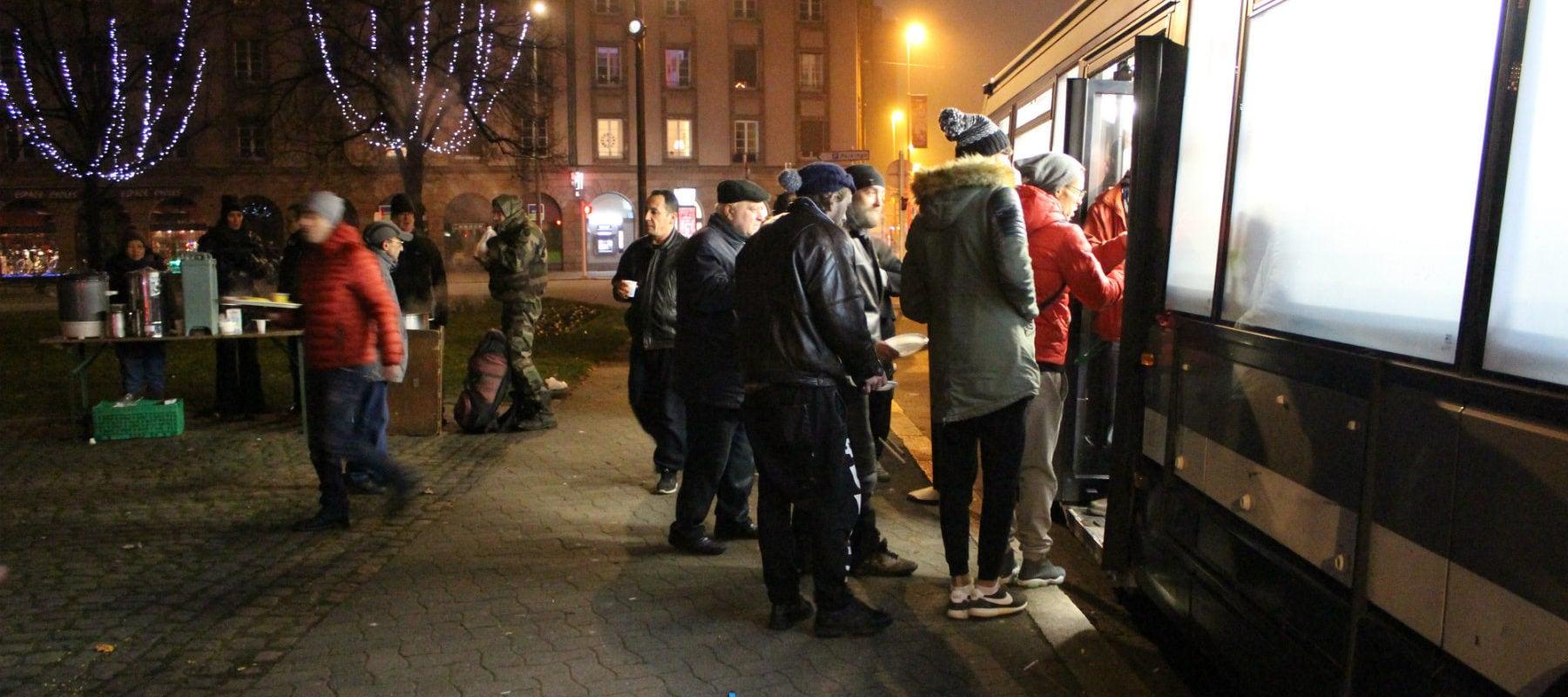 Sans-abris: après les promesses de campagne, les associations attendent toujours les actes