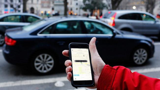 Les chauffeurs Uber strasbourgeois trouvent qu'il n'est pas rentable de n'avoir que cette activité (Photo Mark Warner/Flickr/cc)