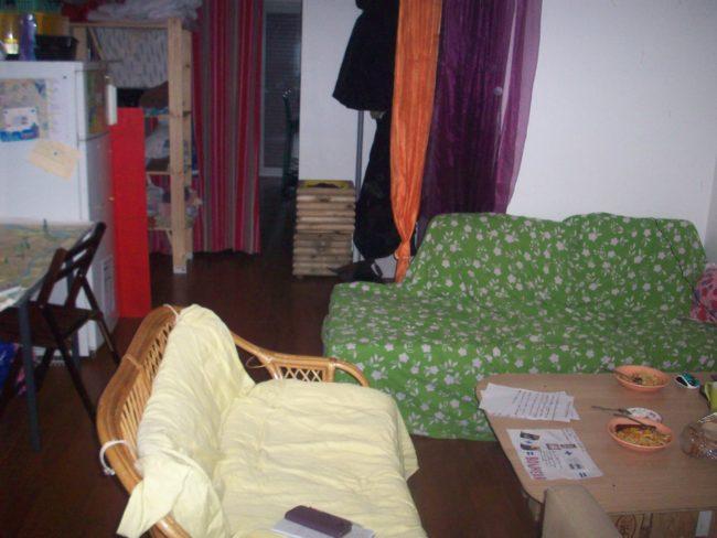 C'est au salon que les résidents de l'appartement rue Gustave Doré peuvent se retrouver et déjeuner (Photo DL / Rue 89 Strasbourg / cc)