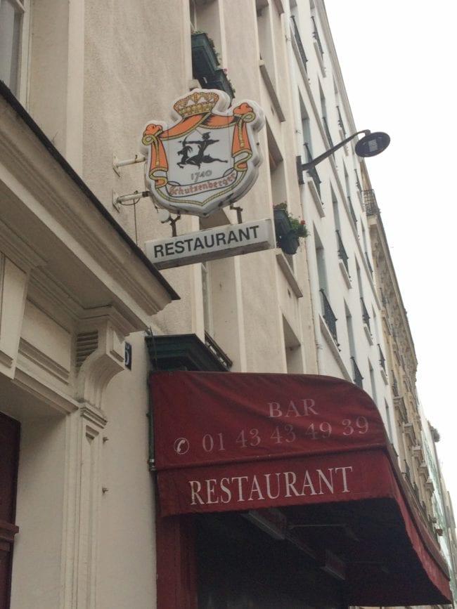 On retrouve aussi le logo Schutzenberger dans des enseignes parisiennes photo JFG / Rue89 Strasbourg)