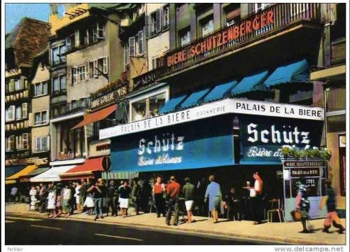 Le Palais de la bière était loué par Schutzenberger, qui a ensuite voulu y installer son propre restaurant mondain, sans succès. Ici dans les années 1960 (auteur inconnu, via Alsace book)