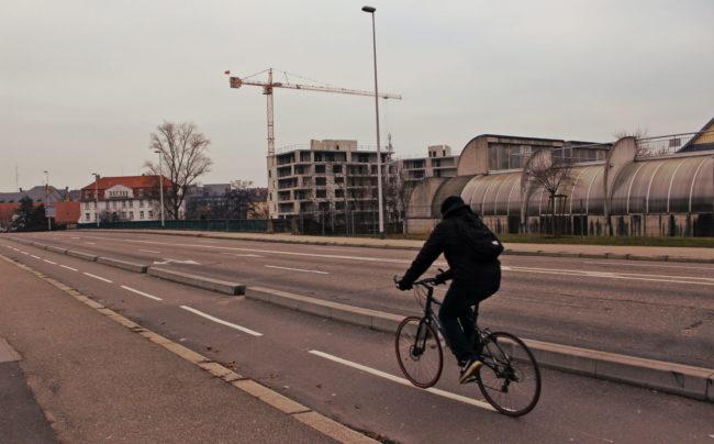 apr s le centre strasbourg va tenter des mettre ses quartiers au v lo. Black Bedroom Furniture Sets. Home Design Ideas