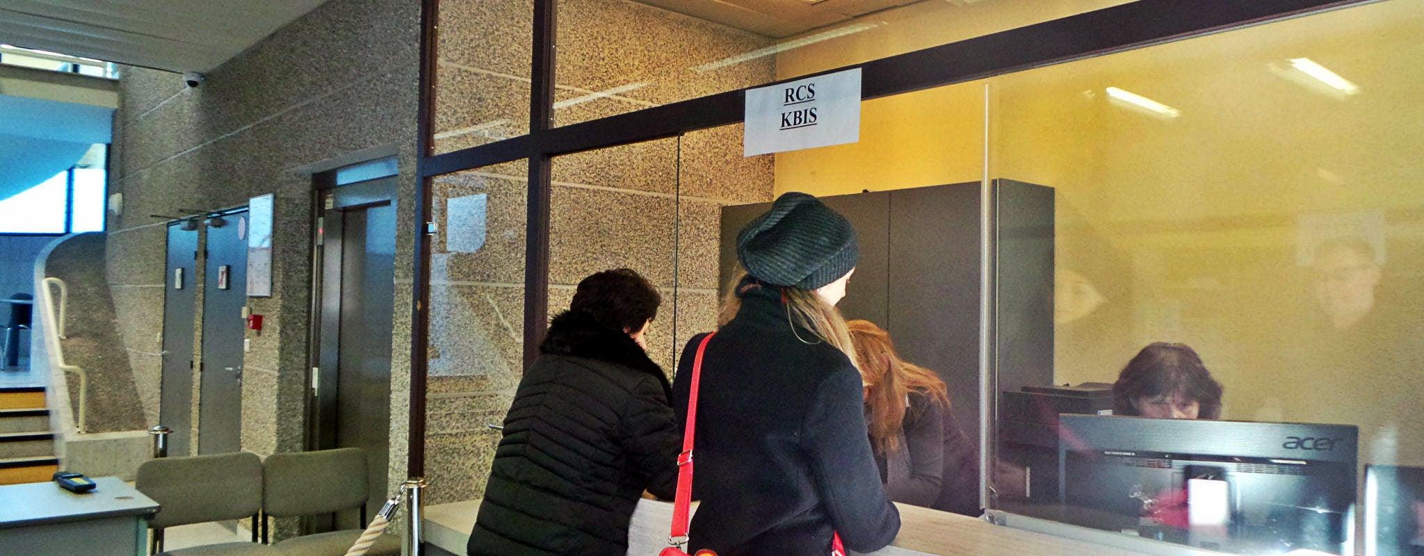 Extraits Kbis : pourquoi l'Alsace est toujours à l'âge de papier