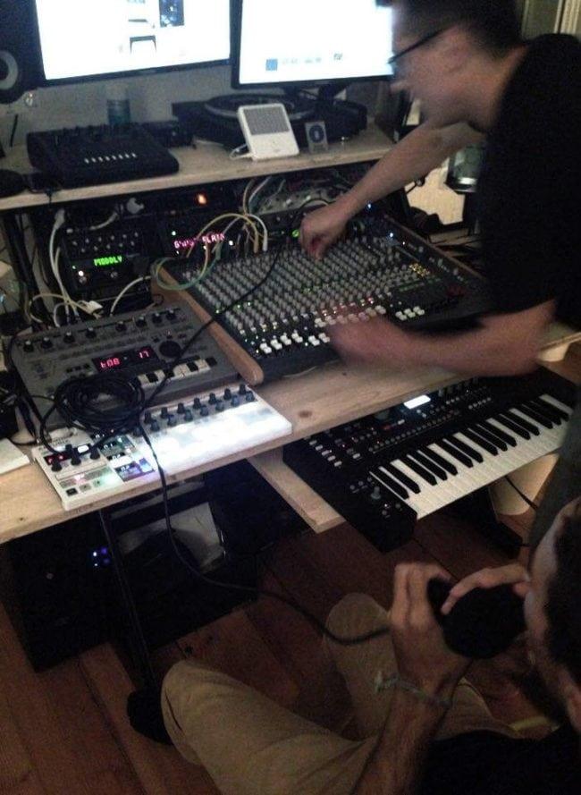 E-Tronik, Medicis et Voltery dans le studio (doc remis)