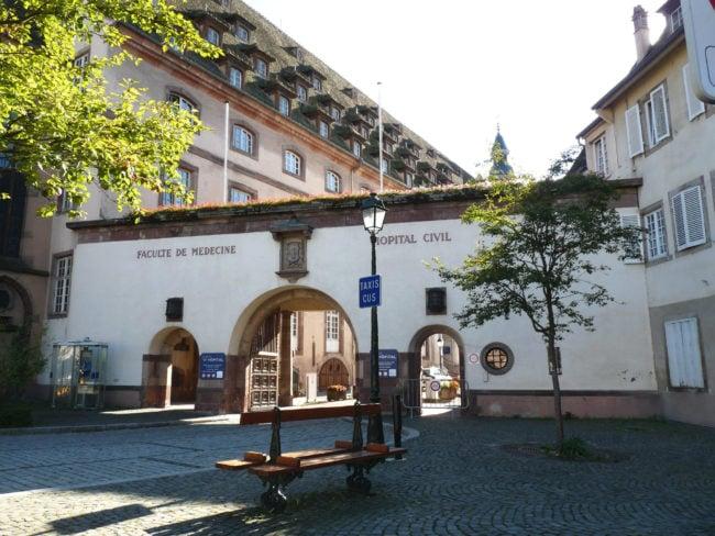 Externalisation massive du nettoyage aux Hôpitaux Universitaires de Strasbourg (Photo wikimedia commons / cc)