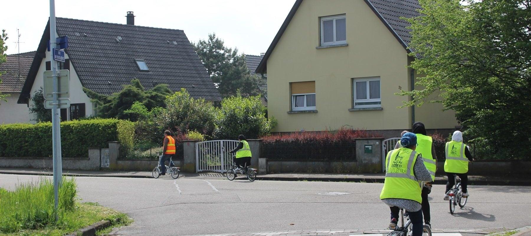 En balade dans le Neuhof, avec les cyclistes hésitants de la «vélo-école»