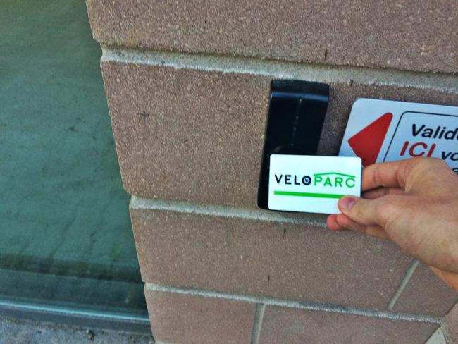 Un badge permet de réserver l'entrée aux abonnés (Photo JFG / Rue89 Strasbourg / cc)