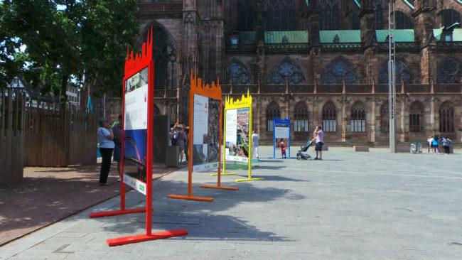 Les panneaux mettent en avant les lieux emblématiques de la Neustadt. (MC / Rue89 Strasbourg / cc)