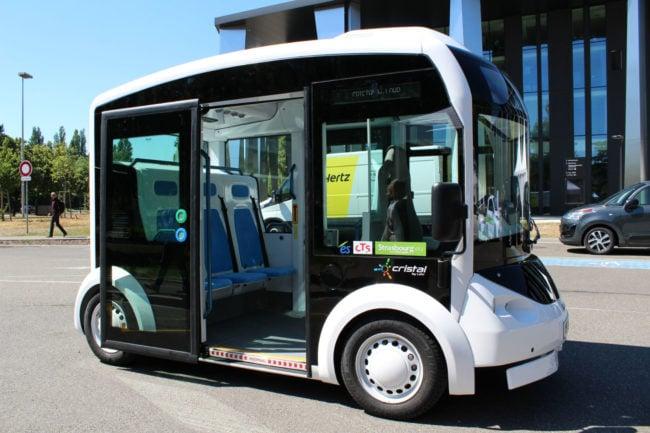 Le mini-bus électrique Cristal peut former un attelage avec jusqu'à quatre véhicules. (Morgane Carlier / Rue89 Strasbourg /cc)