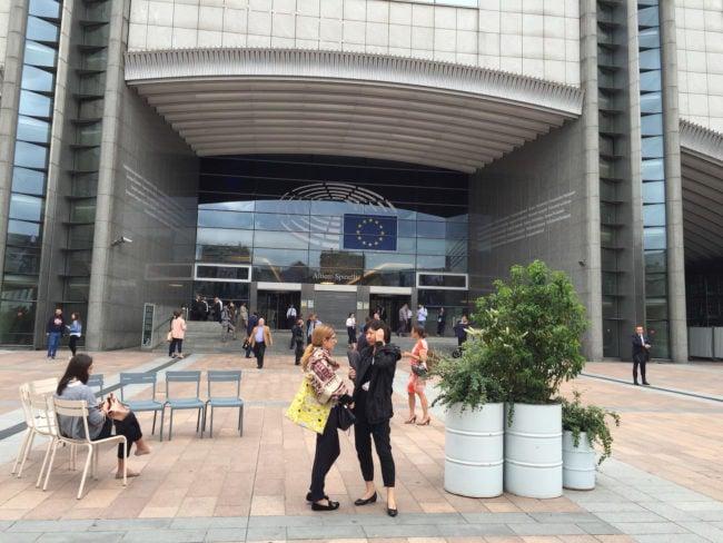 Avec ses stages Robert Schuman, le Parlement européen offre aux étudiants sélectionnés la possibilité de découvrir l'institution pendant plusieurs mois. (photo CS / Rue 89 Strasbourg / cc)