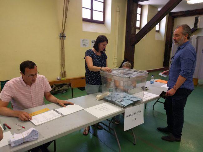 Au bureau de vote 210 Sainte-Aurélie ce matin (Photo PF / Rue89 Strasbourg)