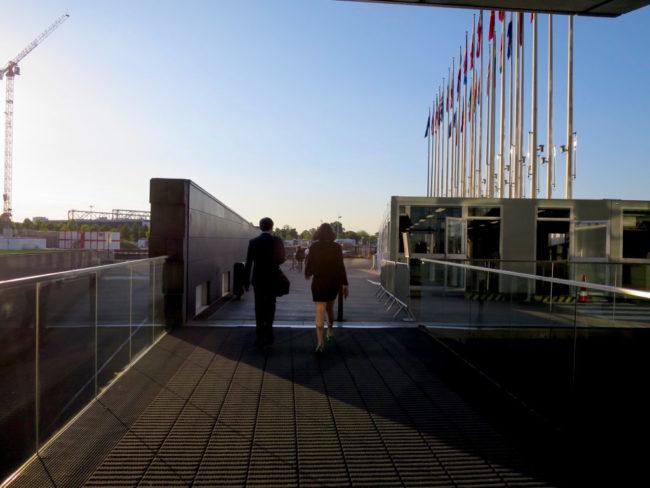 La déclaration d'Edimbourg, en 1992, fixe le fonctionnement du Parlement européen : les plénières à Strasbourg, les réunions en commission à Bruxelles et le secrétariat général à Luxembourg. (Photo CS / Rue89 Strasbourg / cc)