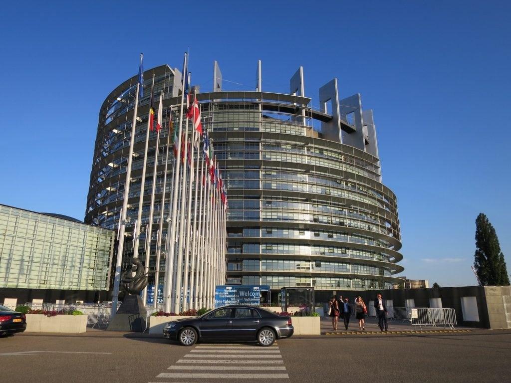 Bataille du siège du Parlement : des alliés allemands de Strasbourg font défection