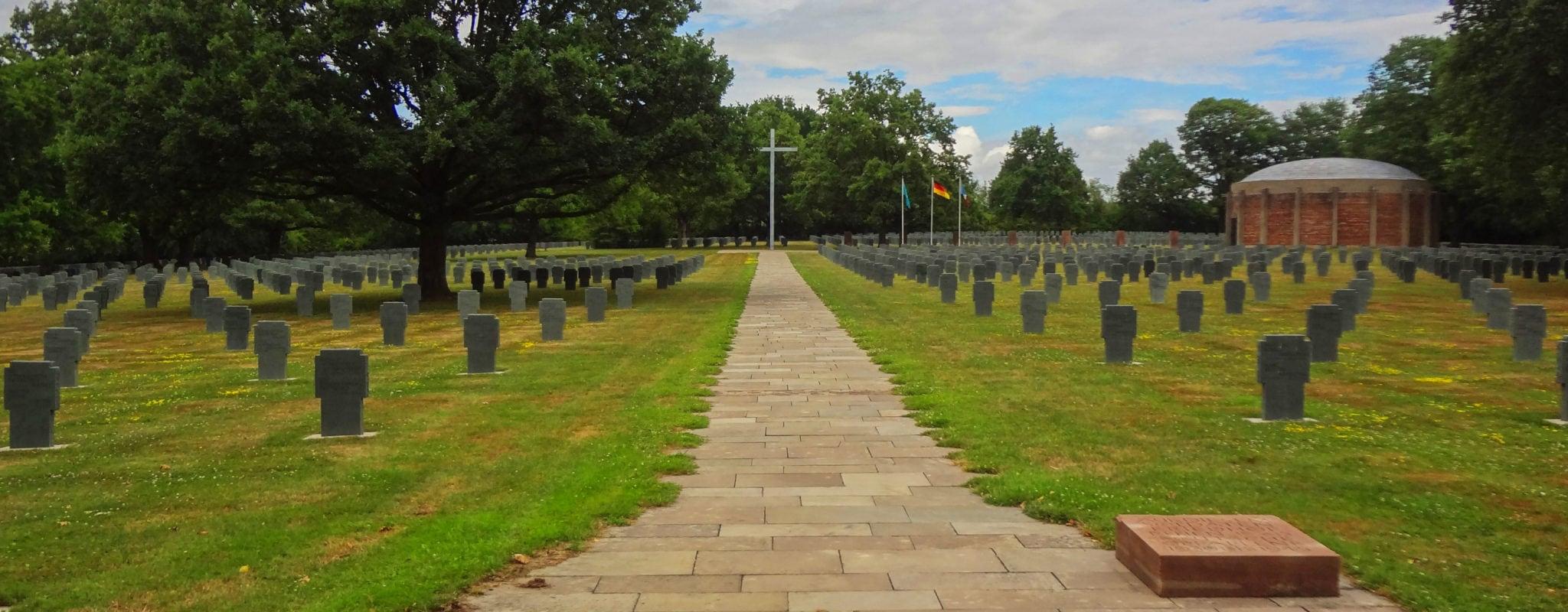À Niederbronn, un cimetière pour enseigner l'histoire à de jeunes migrants