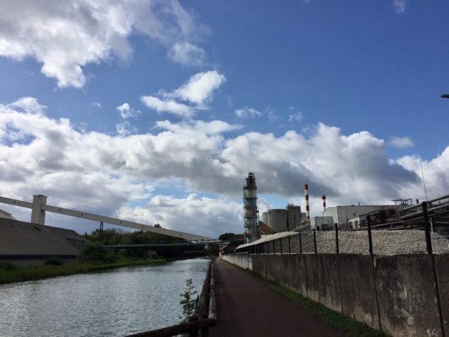 La sucrerie d'Erstein est capable de traiter 6250 tonnes de betteraves par jour. (Photo CS / Rue89 Strasbourg / cc)