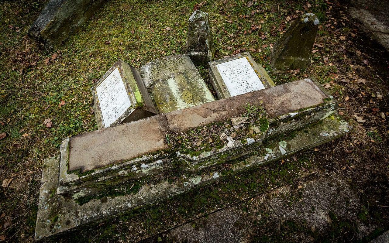 Tombes profanées à Sarre-Union: les 5 jeunes condamnés à de la prison avec sursis