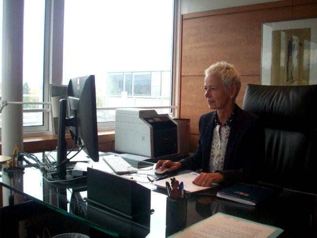 Depuis qu'elle est à la tête du Département, Brigitte Klinkert s'est emparé des dossiers importants, notamment celui du retour d'une Alsace unique (Photo DL/Rue 89 Strasbourg/cc)