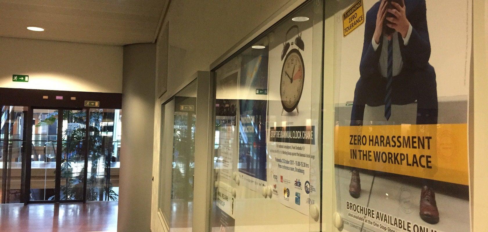 Harcèlement sexuel : les assistants poussent le Parlement européen à se regarder dans une glace