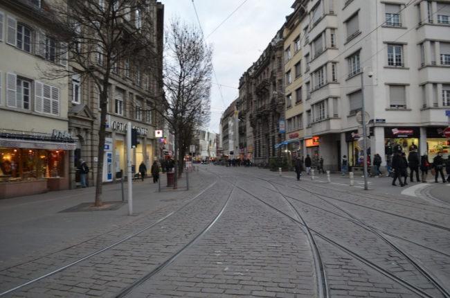 Les rues ont été débarrassées des voitures mais pour y mettre quoi ? (Photo Ivan Ustyuzhaninov / FlickR / cc)