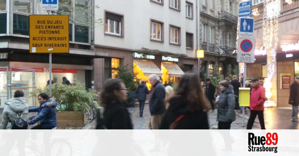 Avec une for t de sapins la rue du jeu des enfants for Rue du miroir strasbourg