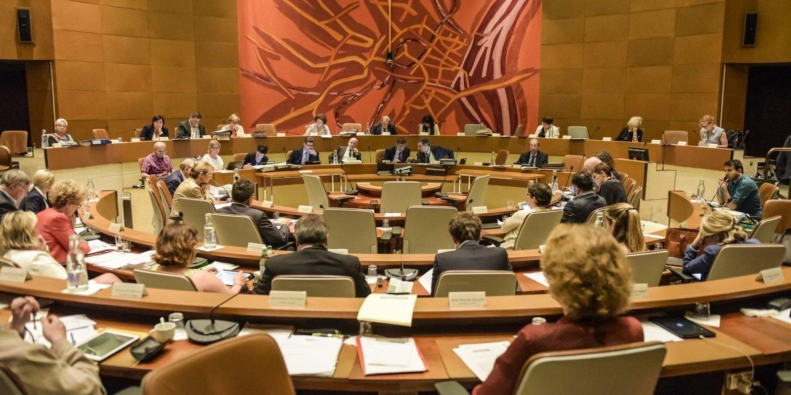 Après un âpre débat, le conseil municipal valide de justesse un pacte financier controversé