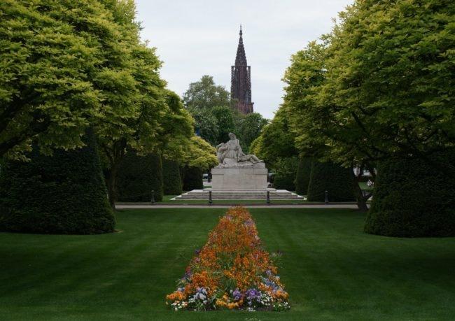 """Le free tour passe par la vieille ville et la Place de la République, """"la base"""" pour Gabriel, son fondateur (Photo Javier Kohen / wikimedia commons / cc))"""