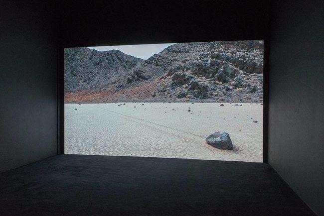 vue de Sailling Stones d'Adrien Missika, crédits photographiques Klaus Stöber