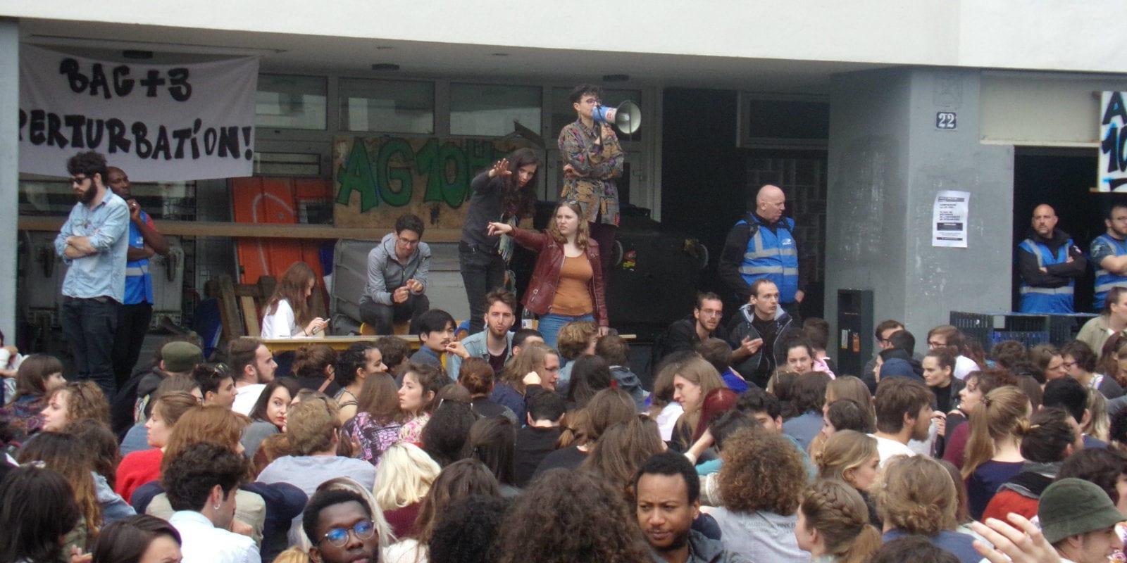 En AG étudiante lundi, le blocage de tous les bâtiments voté