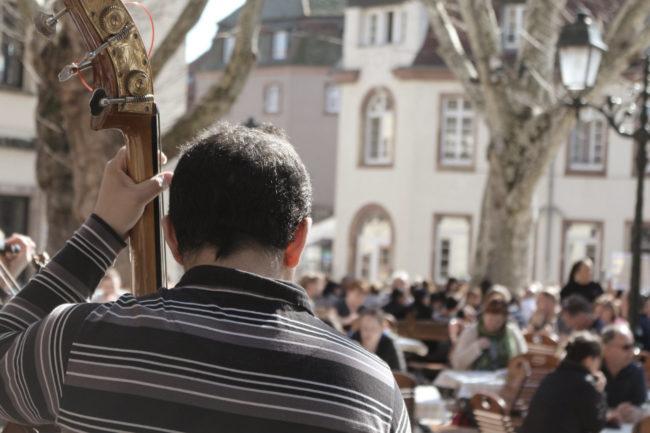 Sorin défend une musique sans électricité, naturelle, proche... (Photo ES / Rue89 Strasbourg / cc)