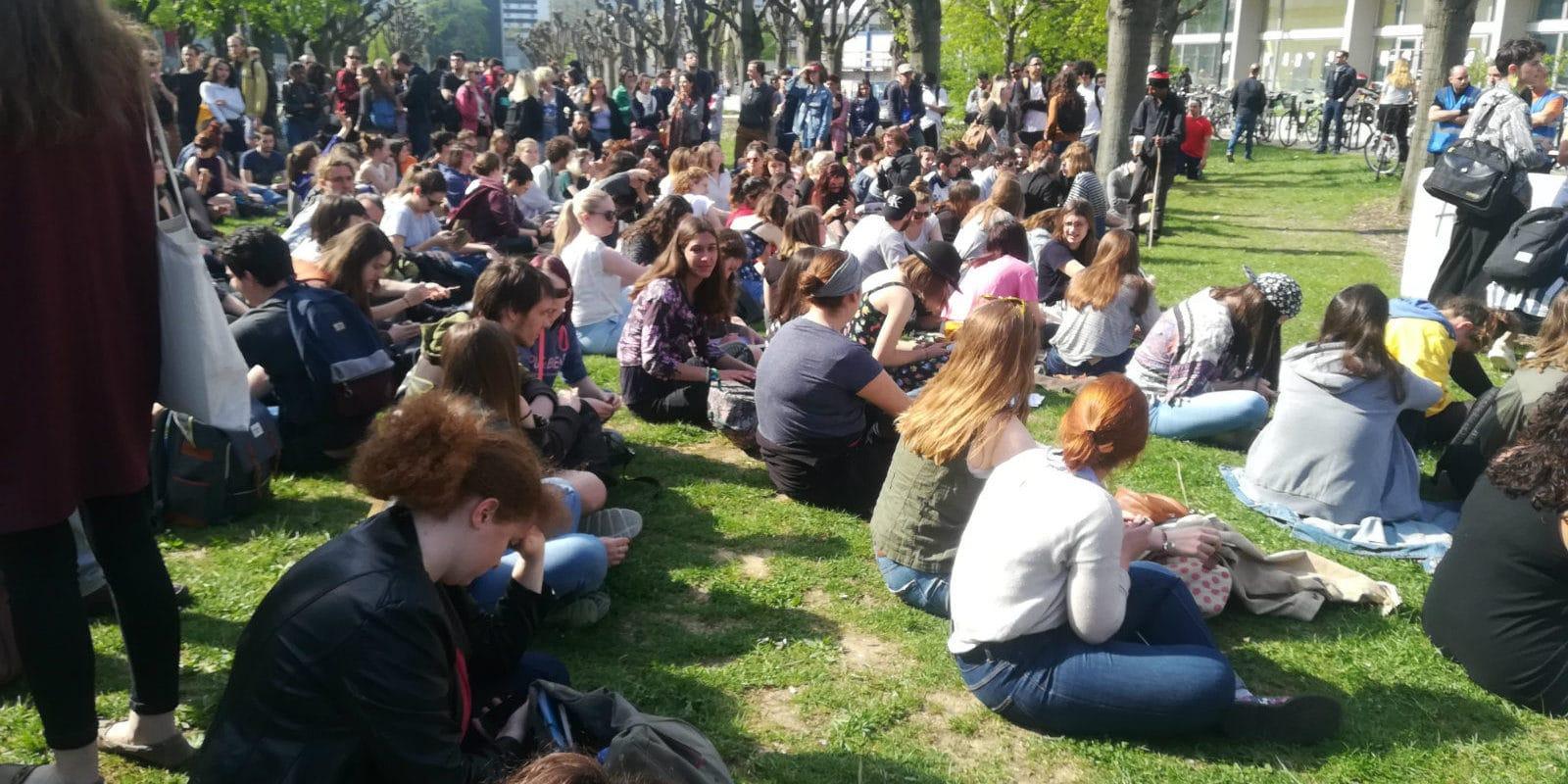 À l'AG ce mercredi: convergence des luttes, démission de Deneken et poursuite des blocages