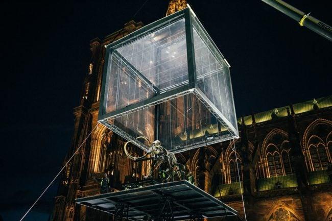 L'installation de la superstructure a dû attendre que le vent se calme... (Photo Vincent Muller / doc remis)