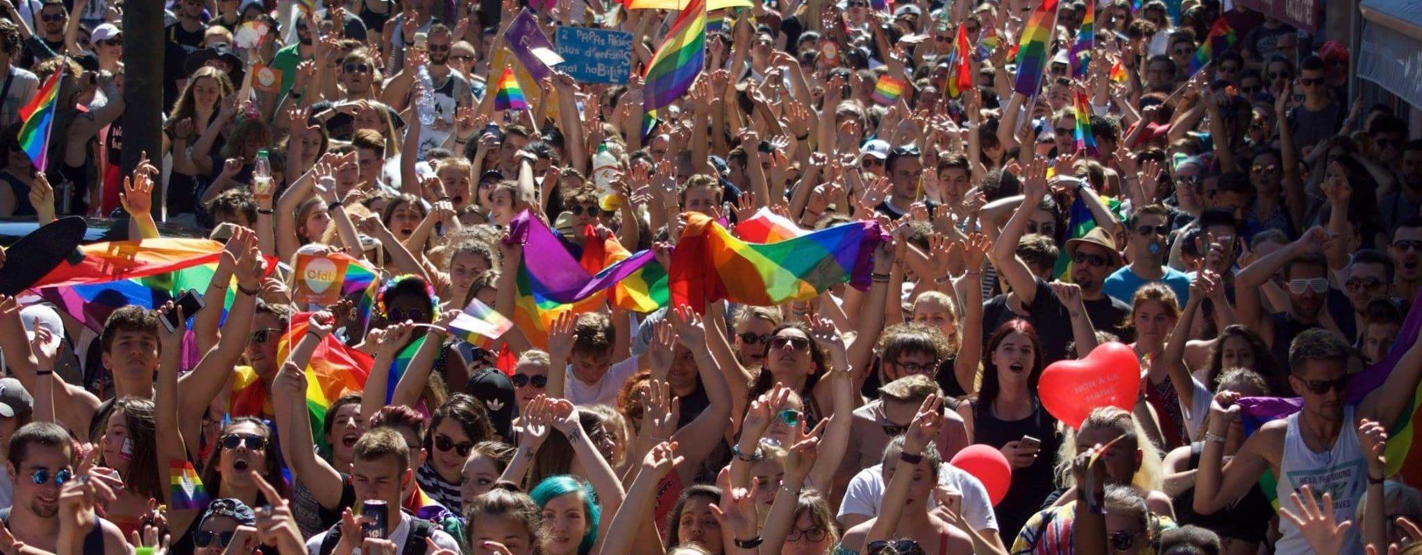 Du 17 mai au 17 juin, FestiGays alerte sur les discriminations contre les familles homoparentales