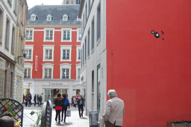 La rue de la Moselle a vu ouvrir de nombreux commerces ces dernières années. Elle ouvre sur la rue du Sauvage où Muy Mucho a décidé d'installer sa seule enseigne française (Photo DL/Rue 89 Strasbourg/cc)