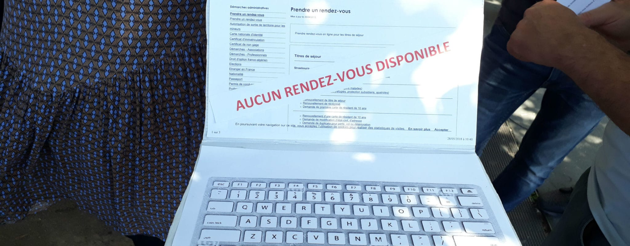prefecture du rhone rendez vous renouvellement carte de sejour Chaque dimanche, le cauchemar nocturne des étrangers en France