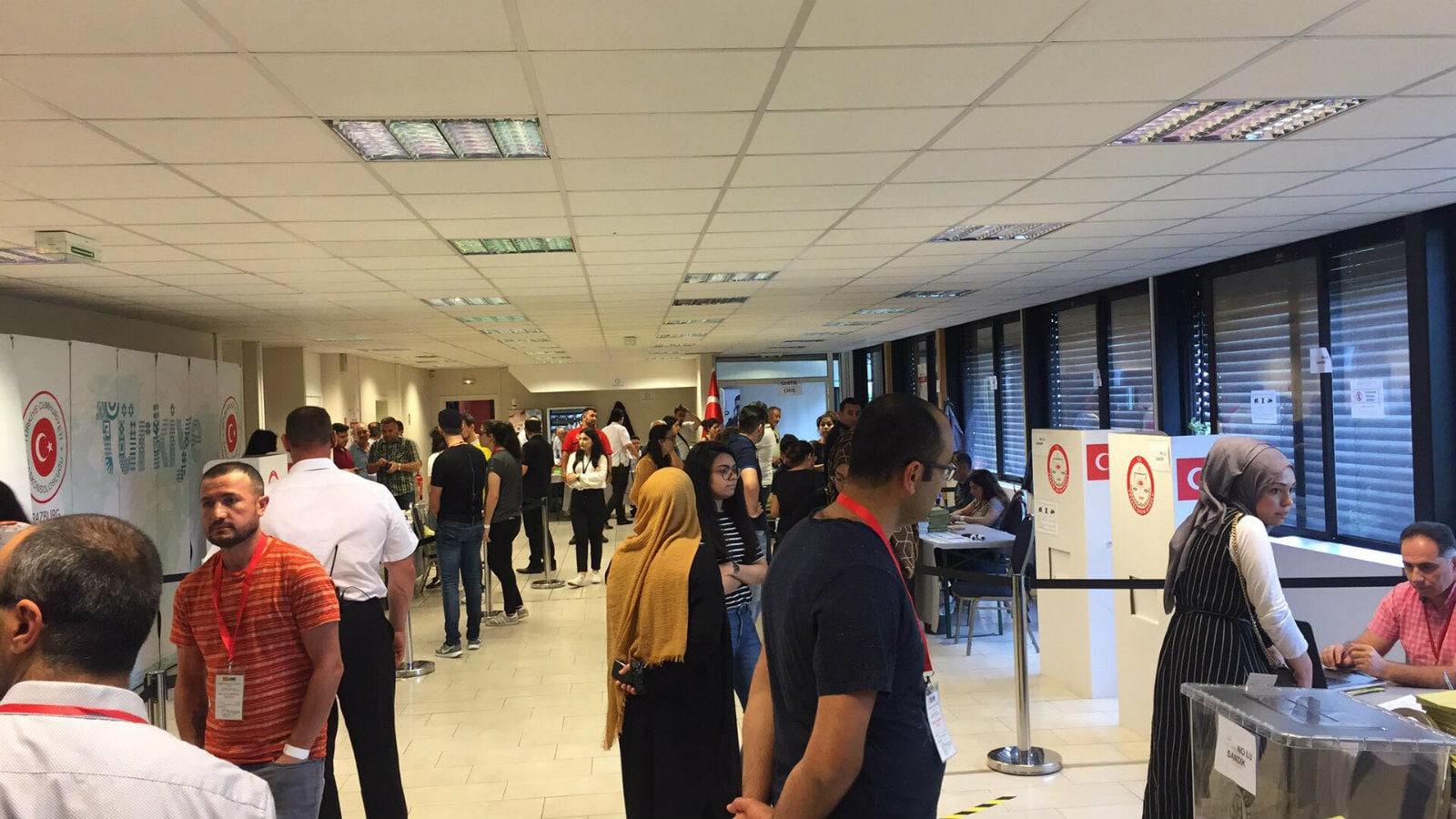 Entre l urne et la mosquée des élections turques à strasbourg