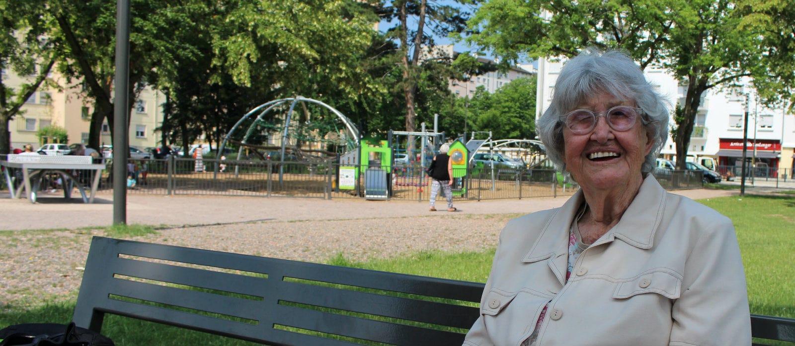 À 92 ans, «mamie ping-pong», Liliane Devic, en a encore dans la raquette